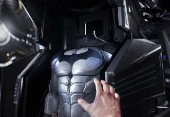 Batman_Arkham_VR_Taking_the_Suit_1475077723