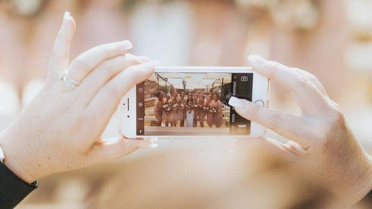 How to broadcast your wedding live