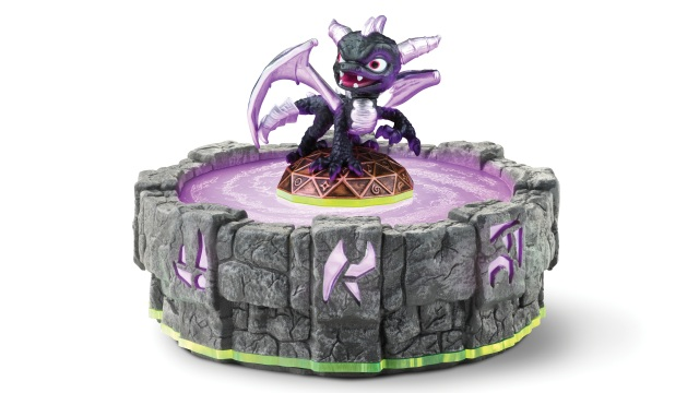 Skylanders-Spyro's-Adventure-Spyro-toy-on-the-Portal-of-Power