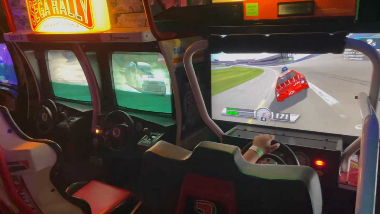 Racing games at a new arcade in 2021